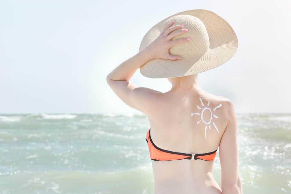 Fair Skin Lady In Sun - sun burn